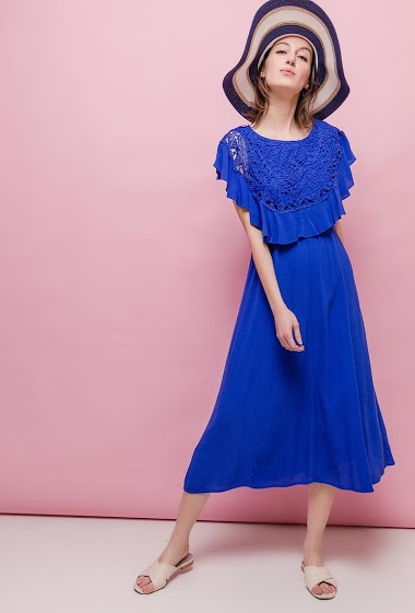 Sleeveless dress, ruffles, lace. The model measures 178cm and wears S. Length:120cm