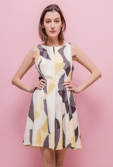 Printed sleeveless dress. The model measures 178cm and wears S. Length:90cm