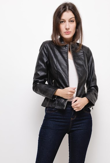 Leatherette jacket,The model measures 178cm and wears S