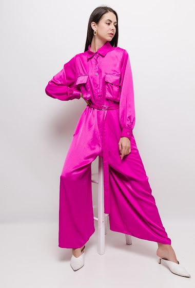 Jumpsuit with pockets, long sleeves. The model measures 175cm and wears S. Length:140cm