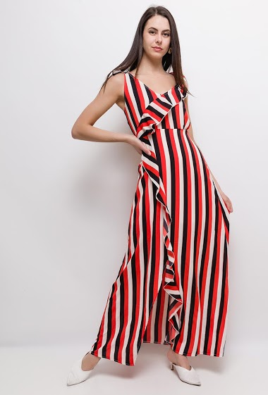 Dress with stripes, ruffles. The model measures 175cm and wears S. Length:145cm