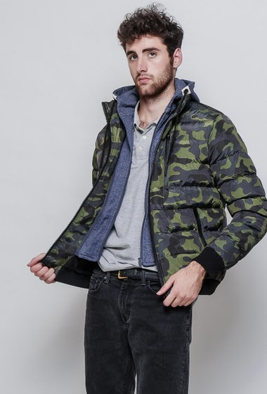 Warm military print jacket with fleece removable hood & drawstrings 4 pockets - Brand The power design - The model measures 194cm and wears L