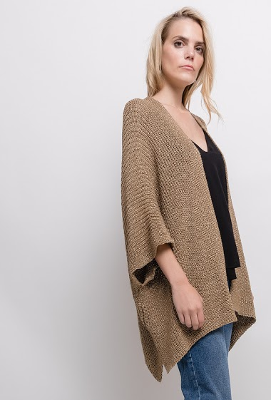 Cardigan with batwing sleeves. The model measures 171cm, one size corresponds to 10/12(UK) 38/40(FR). Length:94cm