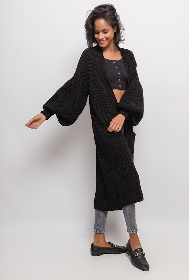 Open cardigan with puff sleeves. The model measures 177cm, one size corresponds to 10/12(UK) 38/40(FR). Length:126cm