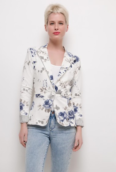 Printed stretch blazer. The model measures 172cm and wears S. Length:55cm