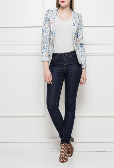 Jacket with flowers pattern, striped lining, padded shoulders, fitted waist