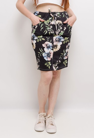 Stretch skirt, print, pockets. The model measures 174cm, one size corresponds to 10/12(UK) 38/40(FR)