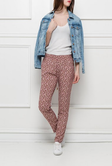 Patterned trousers with elastic waist, pockets, casual fit