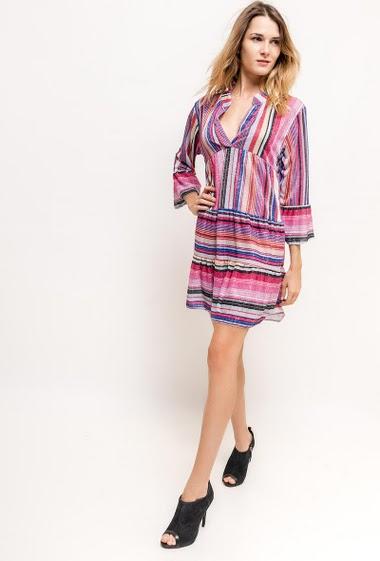 Robe avec lurex, maille fine. La mannequin mesure 170cm, TU correspond à 38/40. Longueur:87cm