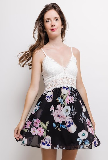 Strappy dress, lace detail, printed flowers, padded chest. The model measures 176cm, one size corresponds to 10/12(UK) 38/40(FR). Length:90cm