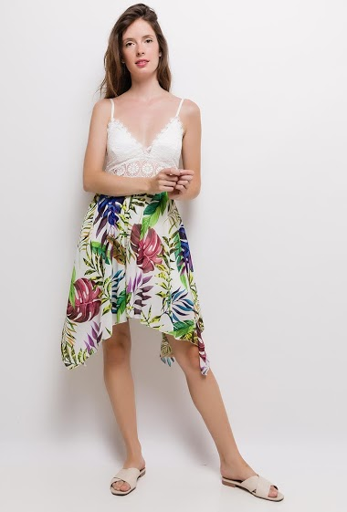 Strappy dress, lace detail, printed flowers, padded chest, asymmetric hem. The model measures 176cm, one size corresponds to 10/12(UK) 38/40(FR). Length:95cm