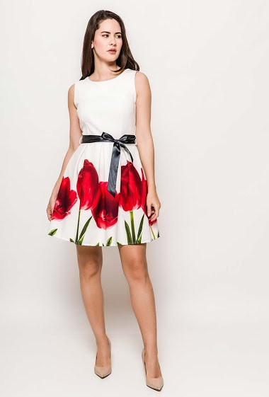 Sleeveless dress. The model measures 174cm and wears S.Length:85cm