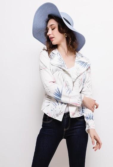 Veste perfecto en molleton, tissu stretch et imprimé. La mannequin mesure 177cm et porte du M. Longueur:55cm