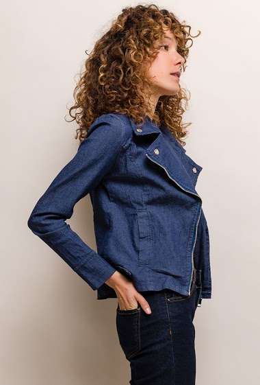 Biker style. The model measures 177cm and wears S. Length:55cm