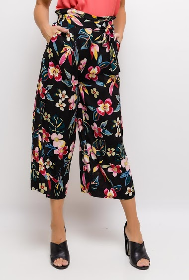 Wide leg pants, elastic waist, pockets, printed flowers. The model measures 175cm and wears S