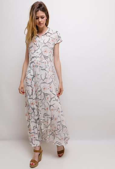 Long shirt dress with floral print, cap sleeves, button closure at the front, shirt collar, underlined waist. The model measures 171cm and wears M. Length:135cm