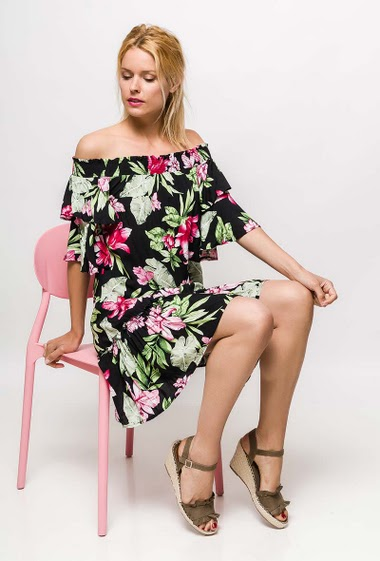 Frill dress, off shoulder design, printed flowers, 3/4 sleeves The model measures 177cm and wears S. Length:90cm
