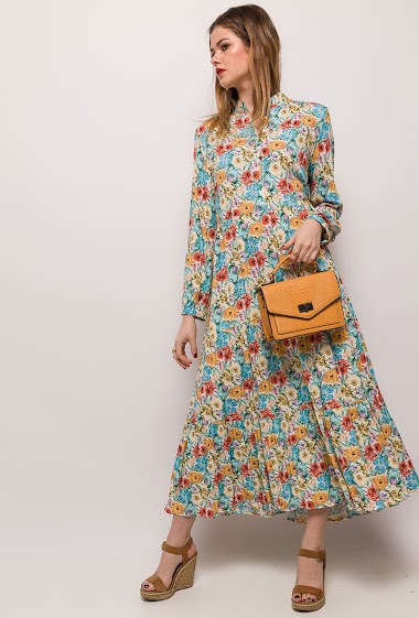 Printed maxi dress, flowers print, mao collar. The model measures 171cm and wears S. Length:133cm