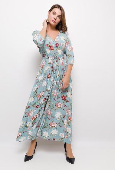 Robe longue, à imprimé floral, col V, manches 3/4 boutonées, élastique à la taille, fermeture à l'avant par boutons, fil à nouer devant.  La mannequin mesure 175cm et porte du S. Longueur:140cm