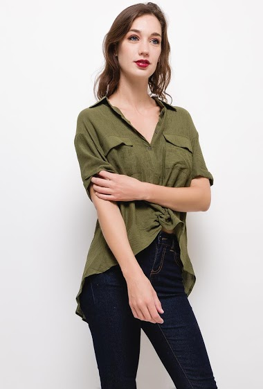 Casual blouse,The model measures 177cm and wears S/M. Length:75cm(back)