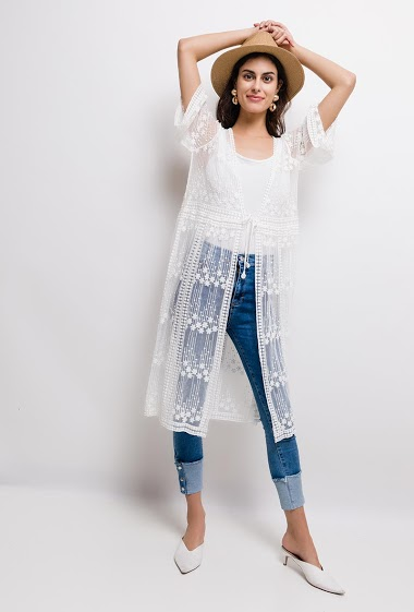 Long cardigan in transparent lace. The model measures 176cm, one size corresponds to 10/12(UK) 38/40(FR). Length:100cm