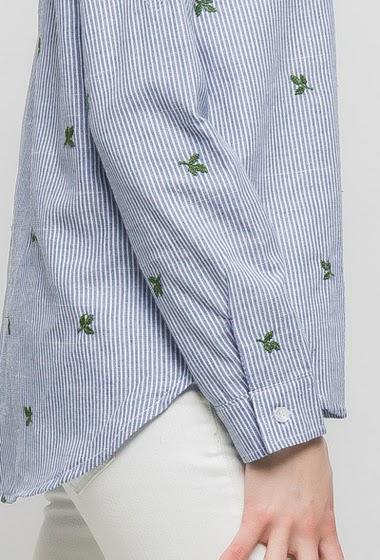 Chemise à rayures avec broderie feuille, manches longues retroussables, coupe droite