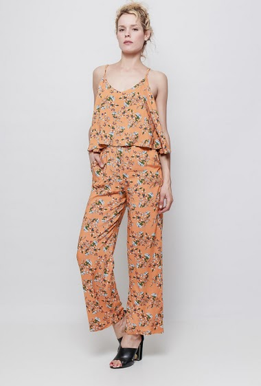 Printed Jumpsuit. The model measures 177 cm and wears S/M
