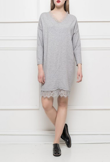 Sweater dress with lace border, regular fit