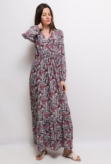 Dress with paisley print. The model measures 177cm and wears S/M. Length:140cm