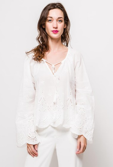 Bohemian blouse, flared sleeves. The model measures 177cm and wears S/M. Length:60cm