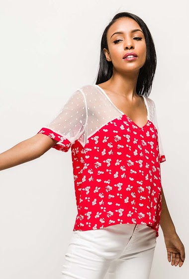 Short sleeve top, printed flowers. The model measures 172cm and wears S/M. Length:55cm