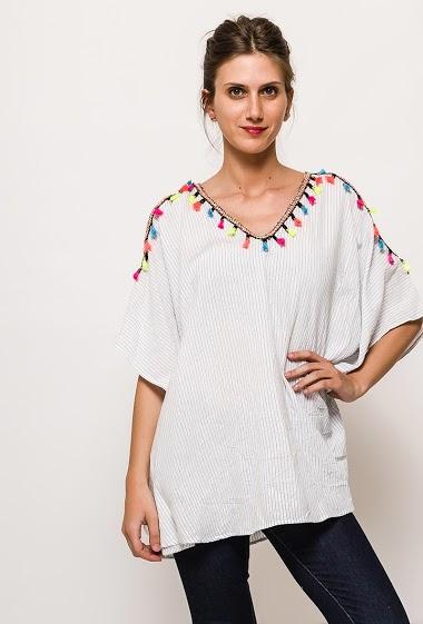 Cold shoulder tunic. The model measures 170cm, one size corresponds to 10/12(UK) 38/40(FR). Length:75cm