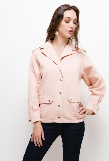 Jacket with buttons and pockets,The model measures 177cm and wears S/M. Length:65cm
