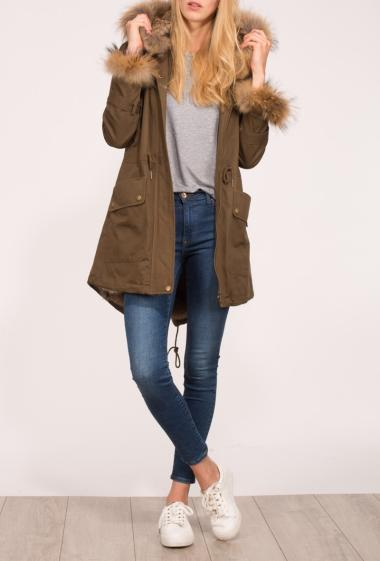 Coat with hood decorated with fur, drawstrings and pockets, zipped closure