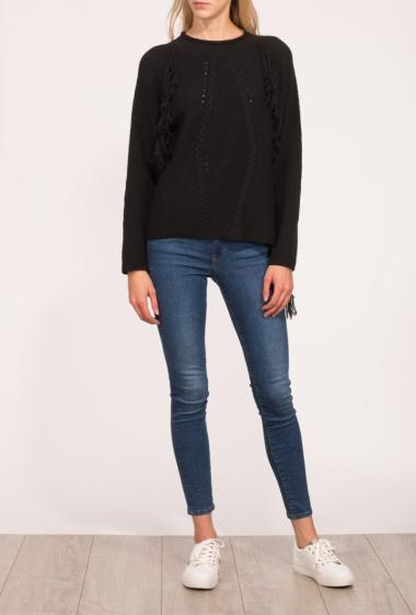 Jumper in knit with twists and fringes, casual fit