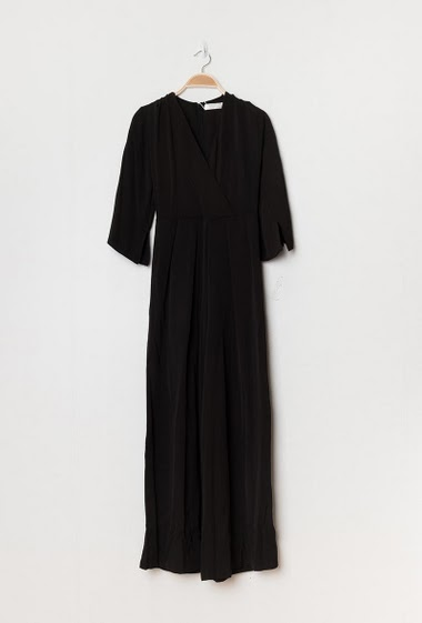 Jumpsuit with wide leg pants, V neck, flared 3/4 sleeve. The model measures 177cm and wears S. Length:140cm