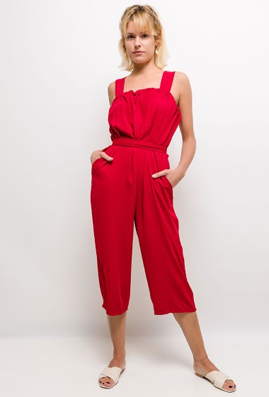 Sleeveless jumpsuit, pockets. The model measures 177cm and wears S/M. Length:125cm