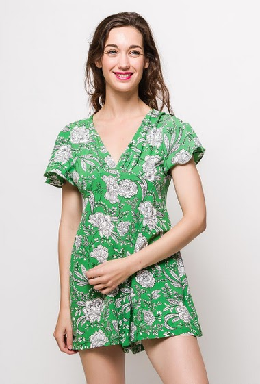 Short sleeve playsuit, V neck, printed flowers, pockets. The model measures 177cm and wears M. Length:75cm
