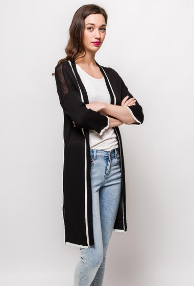 Cardigan with 3/4 sleeves. The model measures 177cm, one size corresponds to 10/12(UK) 38/40(FR). Length:100cm