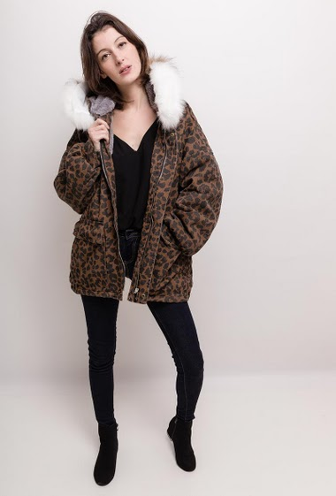Hooded coat in cotton, leopard print. The model measures 178cm, one size corresponds to 10/12(UK) 38/40(FR). Length:75cm