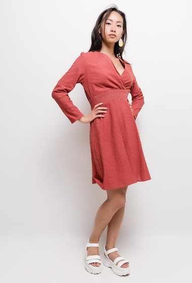 The model measures 168cm and wears S. Length:90cm