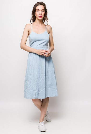 Strappy dress, open and tie back. The model measures 177cm, one size corresponds to 10/12(UK) 38/40(FR). Length:110cm