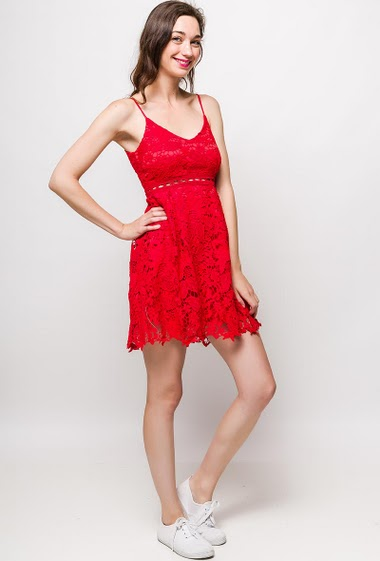 Strappy dress, flared fit. The model measures 177cm, one size corresponds to 10/12(UK) 38/40(FR). Length:85cm