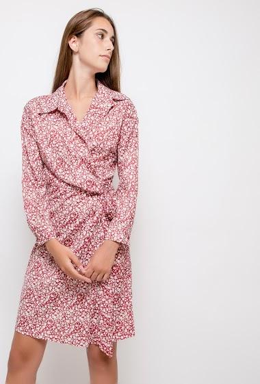 Robe à imprimé fleurs, manches longues. La mannequin mesure 178cm et porte du S. Longueur:100cm