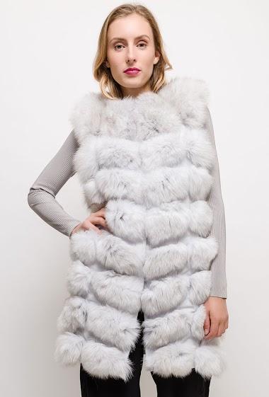 Real fur sleeveless jacket