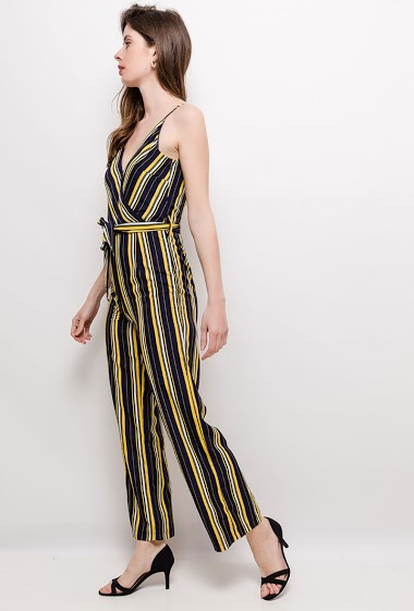 Wrap sleeveless jumpsuit. The model measures 178cm and wears S. Length:140cm
