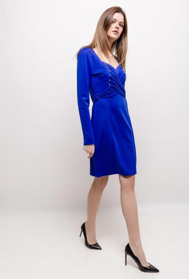 The model measures 172cm and wears M. Length:90cm
