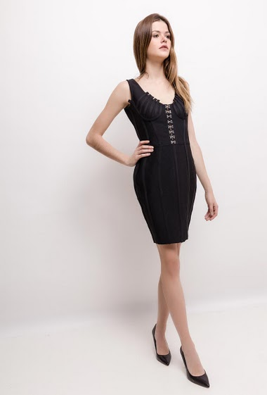 The model measures 172cm and wears M. Length:85cm