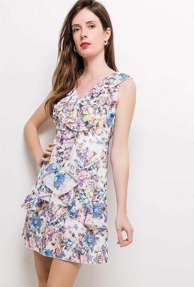 Robe évasée, volants, fleurs imprimées. La mannequin mesure 178cm et porte du S. Longueur:85cm