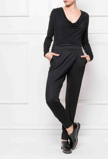 Comfortable jumpsuit with draped collar, belt to knot